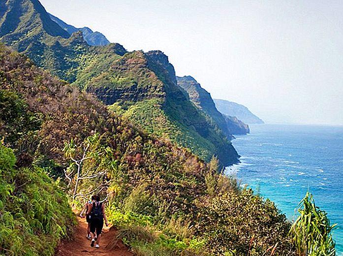 9-top-rated-tourist-attractions-on-kauai-4 Kalalau Trail.jpg