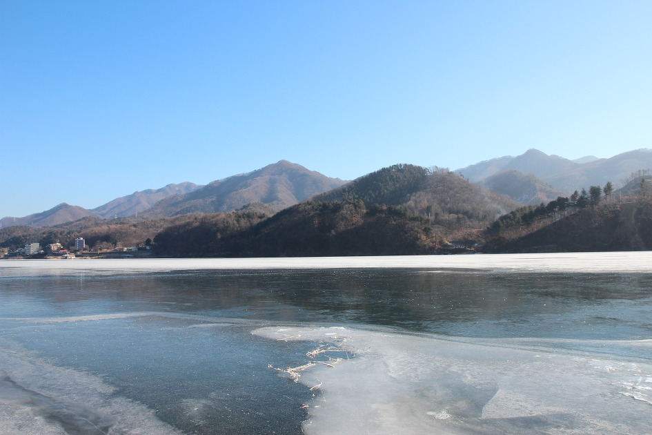 겨울강 사진.jpg