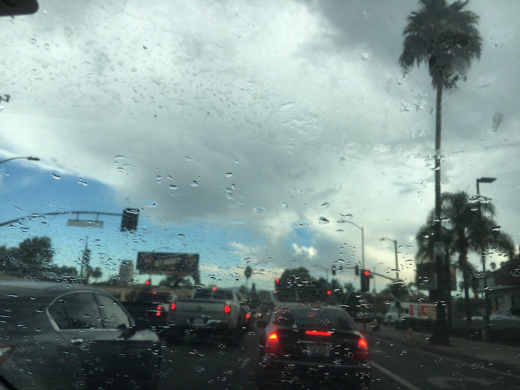 거리에 비 내리고.jpg